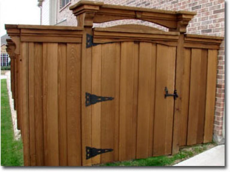 57sm-Custom-Cedar-Gate-With