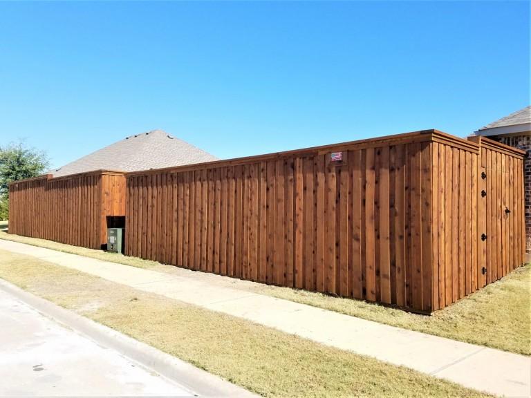 Little-Elm-TX-8-BXB-Double-Trim-Pre-Stained-Cedar-Fence-1500x1125