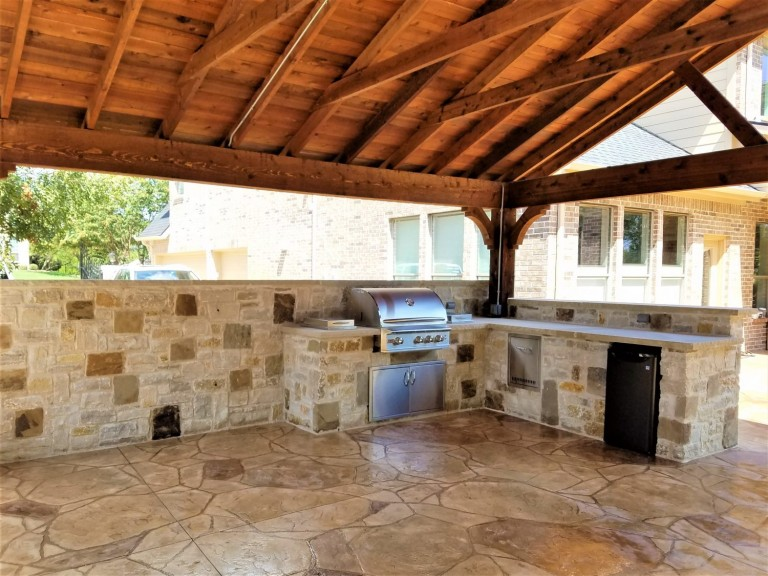 McKinney-TX-Kitchen-Stone-Colored-Stamped-Concrete-1500x1125