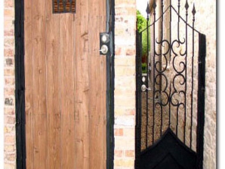 DI5-34sm-Custom-Iron-Gates-298x430